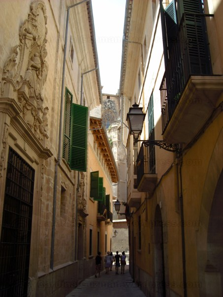 A narrow street in Mallorca.